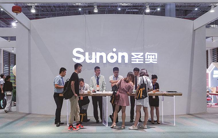 圣奥办公家具展品成上海家博会网红