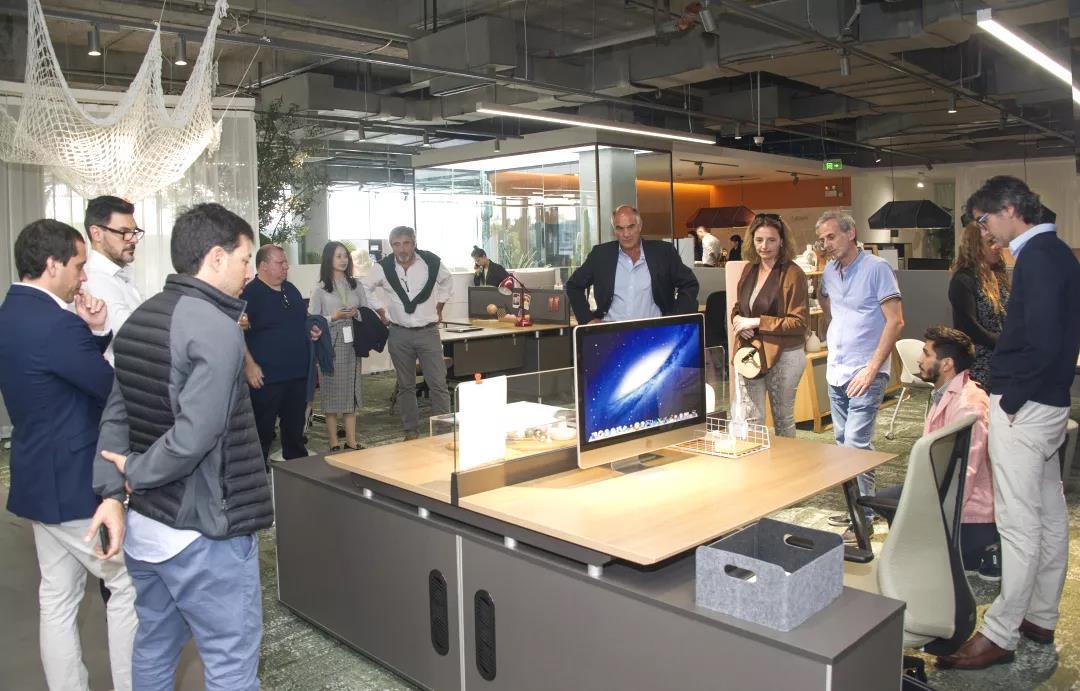 阿根廷经销商及当地知名设计师到访圣奥健康办公体验馆