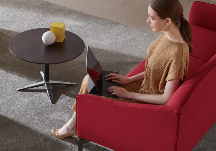 圣奥办公家具 通用茶几场景图