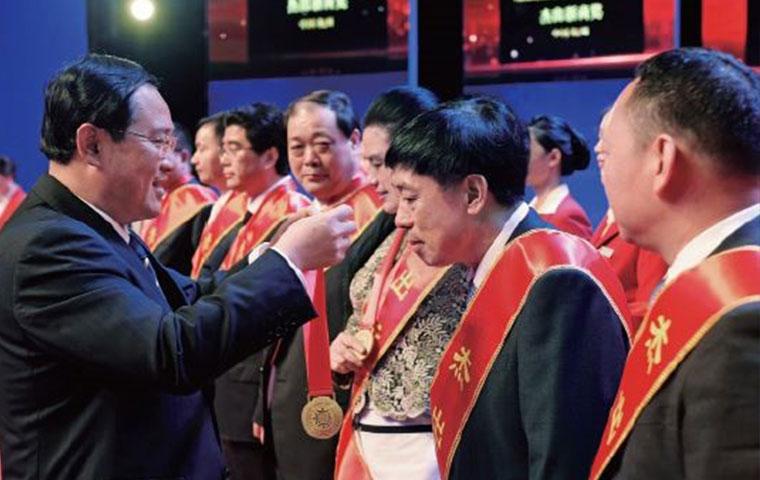 圣奥董事长倪良正荣获杰出浙商奖