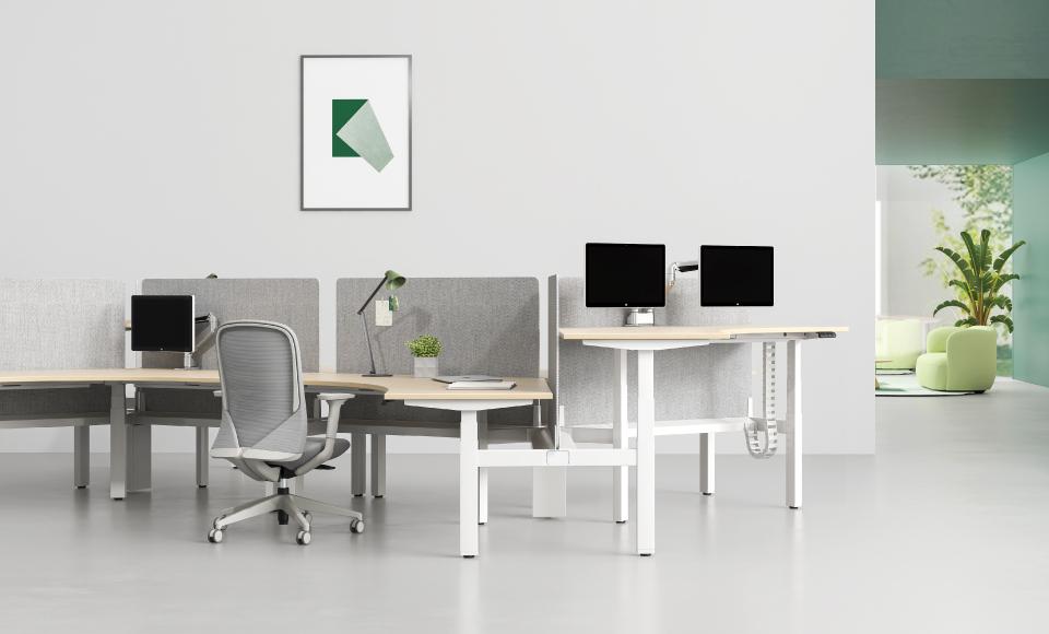 圣奥办公家具设计研发的UP1办公桌 坐站1号升降办公桌