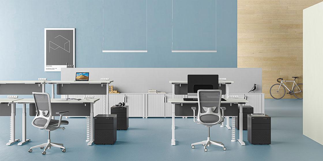 升降办公桌助力打造健康的职员办公空间